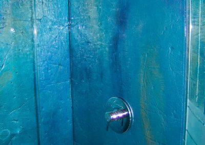 glass-shower-wall-25-770x1024