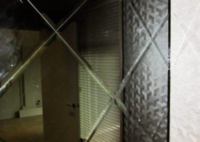glass-shower-wall-3-768x1024