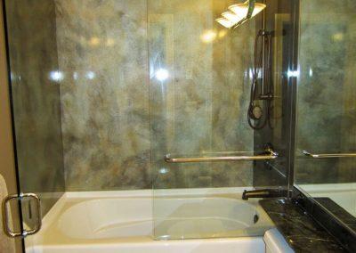 glass-shower-wall-30-768x1024