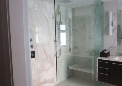 glass-shower-wall-32-768x1024