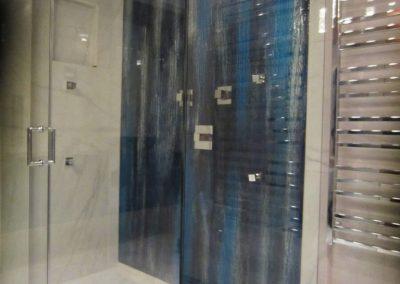 glass-shower-wall-35-768x1024