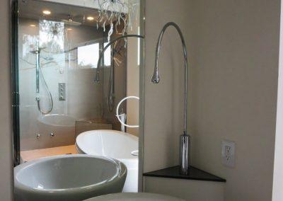 glass-shower-wall-8-768x1024