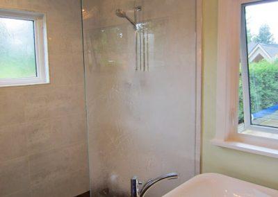 textured-shower-door-11-768x1024