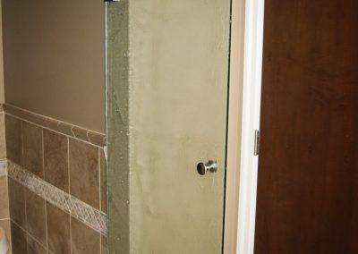 textured-shower-door-30-768x1024
