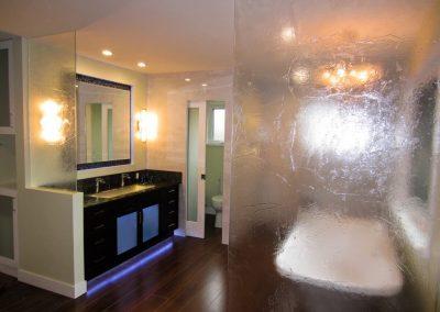 textured-shower-door-9-1024x768