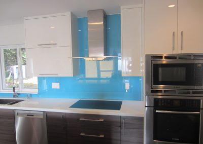 solid color glass backsplash - 4